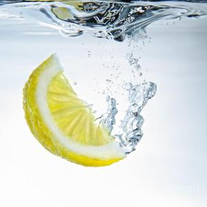 lemon-water-silvio-schoisswohl