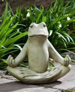 fc1447cd2fc4dc42c61237d4024922de--frog-statues-zen-garden