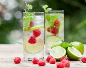 i138964-detox-water-framboise-citron
