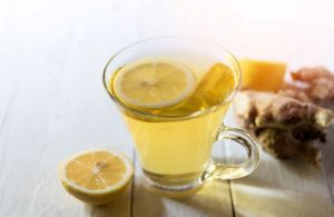 i73578-the-miel-et-citron-sont-ils-vraiment-efficaces-contre-les-maux-de-gorge
